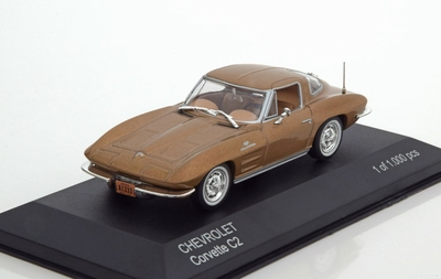 Whitebox 1:43 Chevrolet Corvette C2 Stingray goud