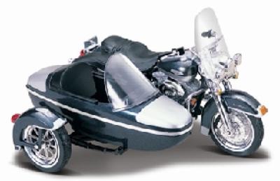 Maisto 1:18 Harley Davidson FLHRC Road King met zijspan