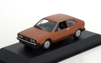 Maxichamps 1:43 Volkswagen Scirocco 1 bruinmetallic 1974