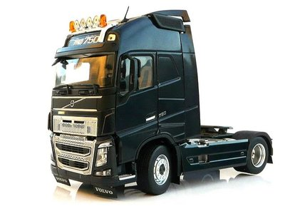 Marge Models 1:32 Volvo F16 4x2 zwart