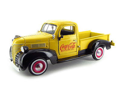 Motor City 1:24 Plymouth Pickup Coca Cola 1941 geel zwart