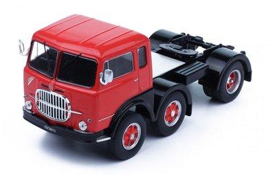 IXO 1:43 Fiat 690 T1 1961 rood