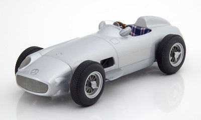 iScale 1:18 Mercedes Benz W196 plain body edition 1955