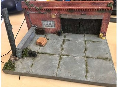American Diorama 1:64 Old Shop diorama, geschikt voor 2 - 3 models 1/64 (3inch) models