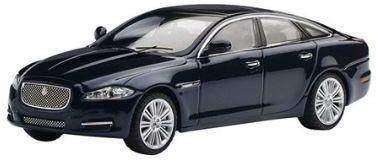 IXO 1:43 Jaguar XJ donkerblauw, dealer verpakking