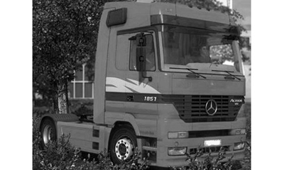 IXO 1:43 Mercedes Actros MP 1 rood 1995