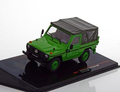 IXO 1:43 Mercedes 240 G SWB Softtop 1986 groen