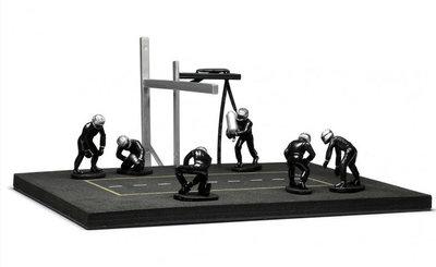 IXO 1:43 Pitstop Mechanic Set 6 figuren met Accessoires met decals zwart