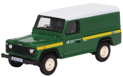 Oxford 1:76 Land Rover Defender Forestry Commission groen wit