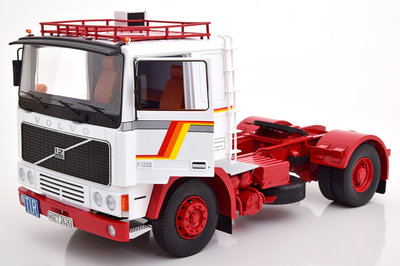 Road Kings 1:18 Volvo F12 1977 wit rood