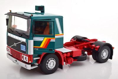 Road Kings 1:18 Volvo F1220 1977 groen wit rood