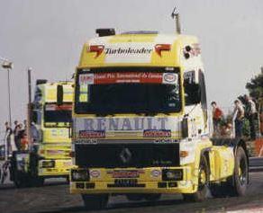 IXO 1:43 Renault R-Trubolader No 30 Team Crozier 1984, trekker