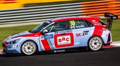 IXO 1:43 Hyundai i30 N TCR no 30 Squadra Corse Team WTCR G Tarquini 2018