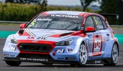 IXO 1:43 Hyundai i30 TCR No5 Squadra Corse Team WTCR N Michelisz 2018