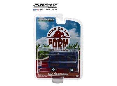 Greenlight 1:64 Bale Throw Wagon blauw Down On The Farm series 2