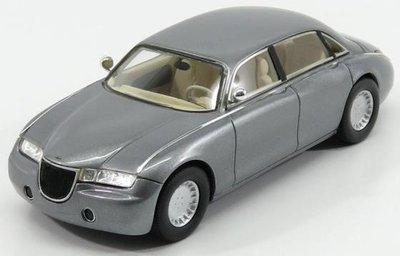 Kess 1:43 Aston Martin Lagonda Vignale zilver 1993