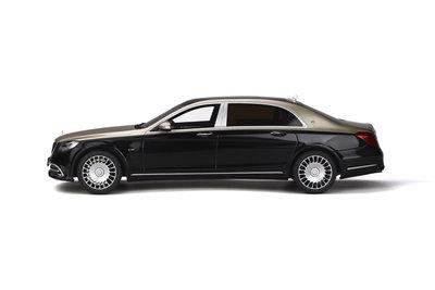 GT Spirit 1:18 MERCEDES-MAYBACH S650 Aragonite silver / Obsidian black