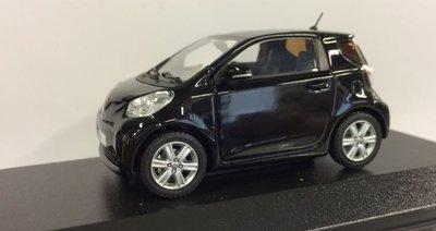 Minichamps 1:43 Toyota IQ zwart Dealer verpakking