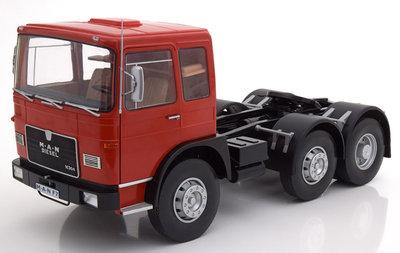 Road Kings 1:18 MAN 16304 F7 1972 rood zwart, oplage 500 stuks