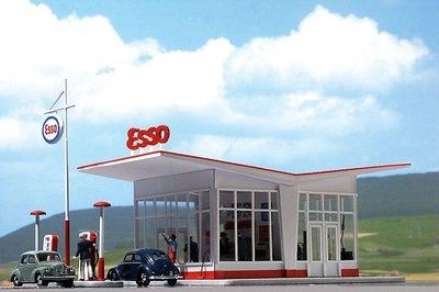 Busch 1:87 Dudok Esso tankstation H0