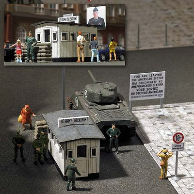 Busch 1:87 Checkpoint Charlie HO bouwpakket