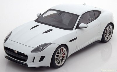Autoart 1:18 Jaguar F Type R Coupe 2015 wit