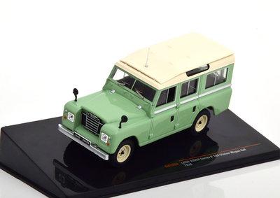IXO 1:43 Land Rover 109 Serie 2 1958 lichtgroen beige