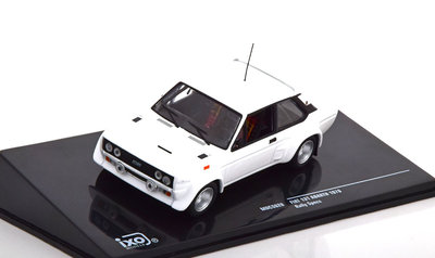 IXO 1:43 Fiat Abarth 131 Rally Specs 1978 wit Plain Body Version met extra velgen