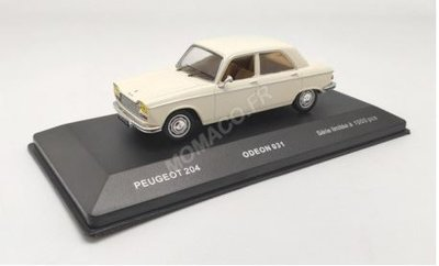 Odeon 1:43 Peugeot 204 1967 wit, product by IXO