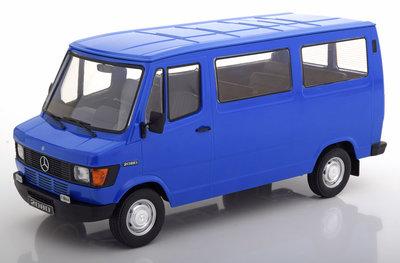 KK Scale 1:18 Mercedes 208 D Persoon bus 1988 blauw