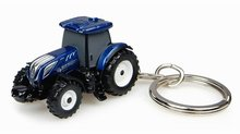 Universal Hobbies New Holland T7.225 blue power keyring