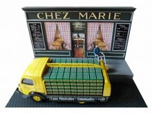 Atlas 1:43 Diorama Renault Galion Soft Drinks van CHEZ MARIE