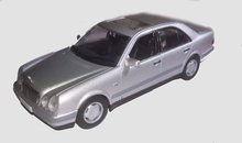 Atlas 1:43 Mercedes Benz E320 1995 zilver