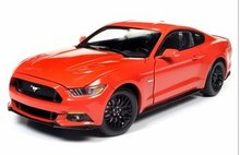 Auto World 1:18 Ford Mustang GT 2016 oranje